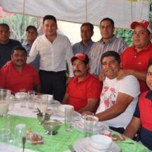 Raúl Cruz junto a su administración municipal celebran un año trabajando en beneficio de la población