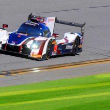 Fernando Alonso tira millas en Daytona