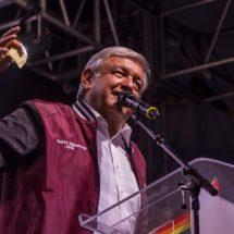 López Obrador propone descentralizar gobierno federal