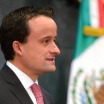 Mikel Arriola se pronunció por aplicar la ley contra invasores