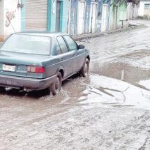 'Brotan' con lluvia daños carreteros