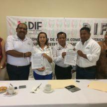En beneficio de toda la región… Encabezan firmas de Convenios Alimentarios Presidente y Presidenta DIF de Tuxtepec