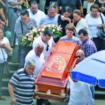 Decenas lloran partida de Mara, en Xalapa, Veracruz