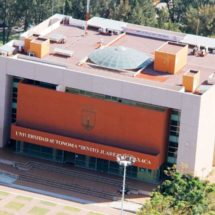 UABJO: escuela pública con cuota de privada