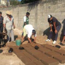 Mujeres se suman a la reconstrucción de Juchitán, Oaxaca