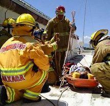 Trabaja CEPCO y Bomberos para recuperar cuerpo de joven ahogado en Ixtayutla