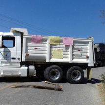Comunidad afromexicana de Collantes bloquea carreteras contra restitución de agente municipal
