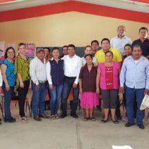 Porfirio Ortiz anuncia construcción de techado de cancha en el COBAO de Ojitlán
