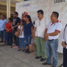 """Ayuntamiento de Tuxtepec aporta para reconstruir la primaria """"Roberto Colorado"""""""