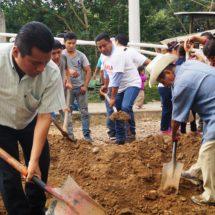 Fernando Bautista Dávila encabeza tequio en la colonia Emiliano Zapata