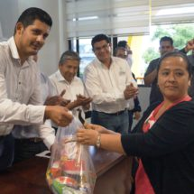 En Tuxtepec, apoyo a productores del campo no con discursos, no con saliva, sino con hechos