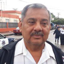Todo taxista que no traiga visible su tarifario será sancionado: Carlos Cobos