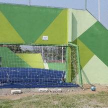 'Brotan' daños en cancha de futbol rápido