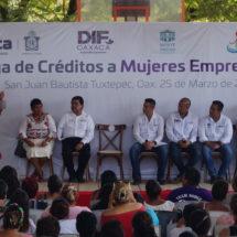 Gobierno de Tuxtepec y Gobierno del Estado entregan créditos a mujeres emprendedoras