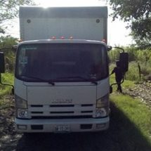 Encuentran camión robado en brechas cañeras de Tierra Blanca