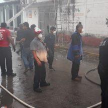 Aparatoso incendio en bodega de la jurisdicción sanitaria #3 acaba con medicamentos e insumos del sector salud