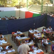 Con aulas improvisadas reactivan clases en escuela de Pinotepa