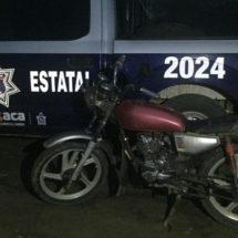 DETIENE SSPO A DOS SUJETOS Y RECUPERA TRES UNIDADES DE MOTOR CON REPORTE DE ROBO
