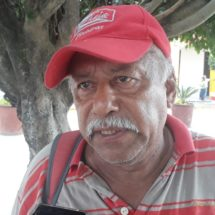 Por campañas políticas incrementa el trabajo de rotulistas y pintores de Tuxtepec