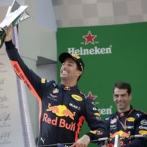 RICCIARDO GANA INCREÍBLE GP DE CHINA Y 'CHECO' NO LEVANTA