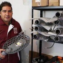 Estudiante del IPN crea luminaria que funciona con sol y viento