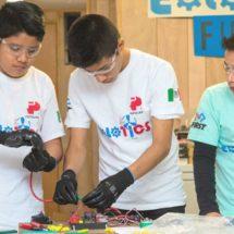 Pese a sismos y con boteo estudiantes del Istmo, Oaxaca, representan a México en competencia de robótica