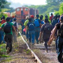 La caravana migrante retoma su marcha para concluir en Ciudad de México