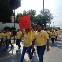 Trabajadores de Salud salen a las calles de Oaxaca; archivan pliego petitorio