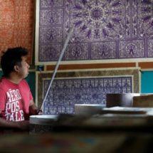 Artesanos preservan la producción de papel prehispánico en México