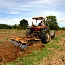 Buscará Barzón beneficios para los productores del parque agroindustrial