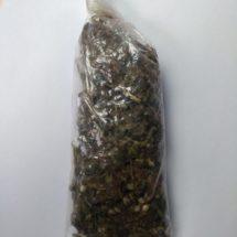 Llevaba hierba seca dentro de una bolsa