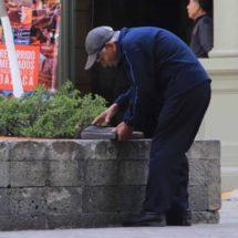 Padecen jubilados burócratas de Oaxaca; «pensión alcanza sólo para medicinas»