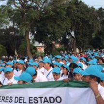 Marchan burócratas en Oaxaca