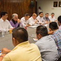 Revisa gobierno de Murat pliego de demandas de la Sección 22 del SNTE, en Oaxaca