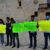 FNERRR protestó en el palacio municipal de Oaxaca de Juárez