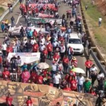 La CNTE marcha en Oaxaca por segundo aniversario de la matanza en Nochixtlán