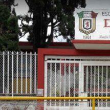 Padres de familia corren a directora de escuela España en Oaxaca