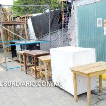 Se instalan nuevos puestos ambulantes en la explanada central de Juchitán