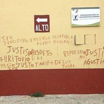 Protestan con sangre por altas tarifas en Chiapas