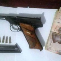 DETIENE POLICÍA ESTATAL A DOS PERSONAS ARMADAS EN LA SIERRA SUR Y MIXTECA: SSPO