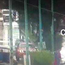 Lluvia deja vialidades inundadas en CDMX; toma precauciones