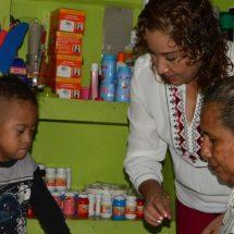 María Luisa Vallejo atenta a progreso de pequeñitos