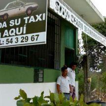 Reconocen honestidad de taxista oaxaqueño que devolvió pertenencias a usuario