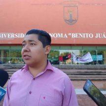 Cierran rectoría para exigir 300 espacios en la UABJO sin hacer examen de admisión