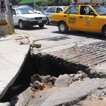 En Oaxaca, calles de papel y hoyos en el asfalto