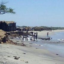 En costas de Oaxaca mantiene alerta por mar de fondo
