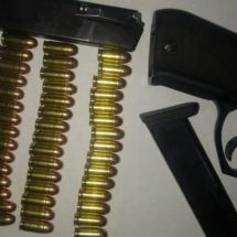 DETIENE POLICÍA ESTATAL A UNA PERSONA ARMADA EN LOMA BONITA