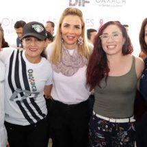 """Ivette Morán De Murat Encabeza Feria De Servicios """"Juntas Somos Más Fuertes"""" En La Capital Oaxaqueña"""