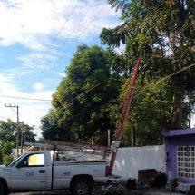 En Tierra Blanca explotan transformadores CFE