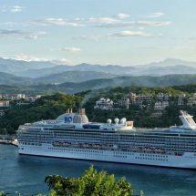 Arriba a Huatulco el primer crucero de la temporada